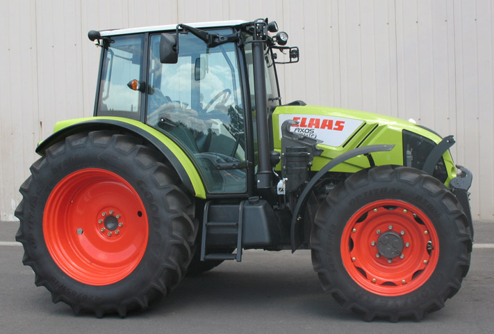 Claas Axos tractor / MX R28 front linkage (side)