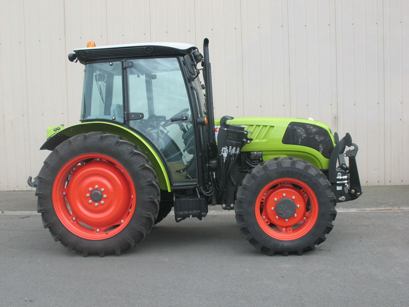 Claas Elios 238 tractor / MX R16 front linkage (side)