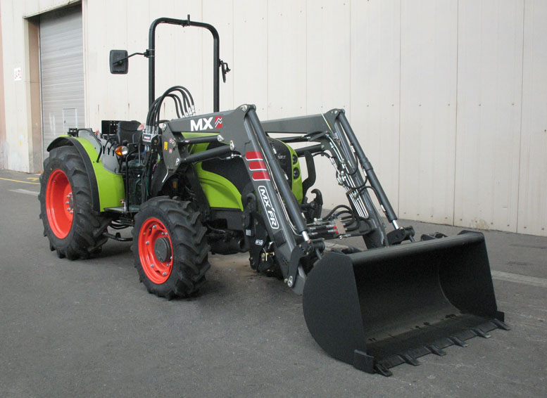 Claas Nexos 230F tractor / MX FR Fruit loader (3/4 view)