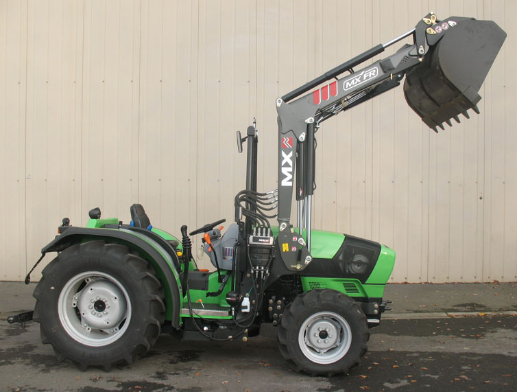 Deutz Agroplus 320F Roll Cage tractor / MX FR Fruit loader (side)
