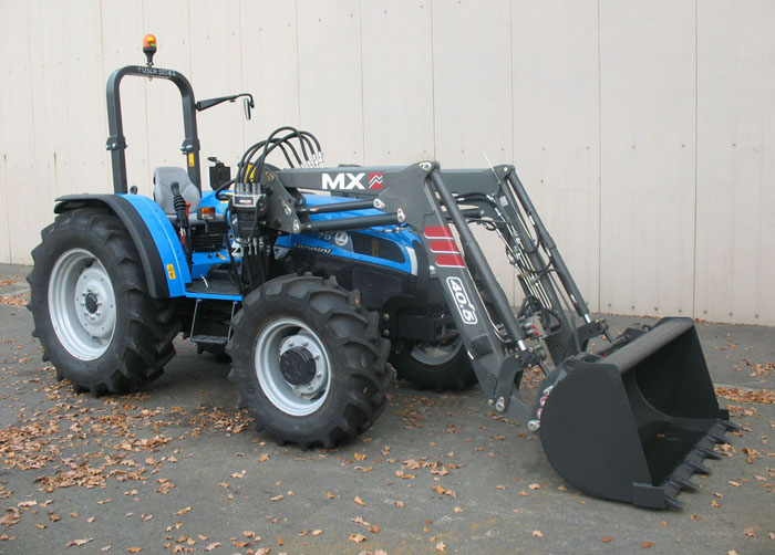 Landini Technofarm 70 Tier 3 tractor / MX TECHNIC 40.5 loader