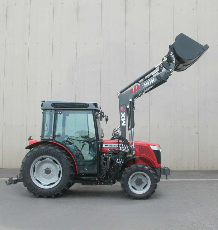 Massey Ferguson 3635S tractor / MX FR Fruit loader