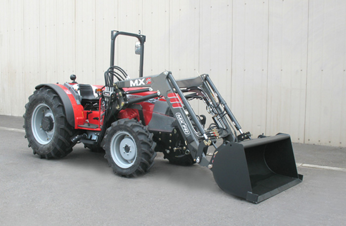 Tracteur McCormick F100XL Tier 3 / Chargeur MX Fruitier FR