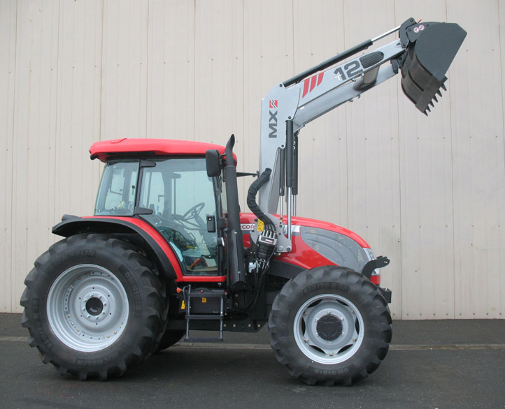 Tracteur McCormick G-Max 125 Tier 3 / Chargeur MX TECHNIC T12