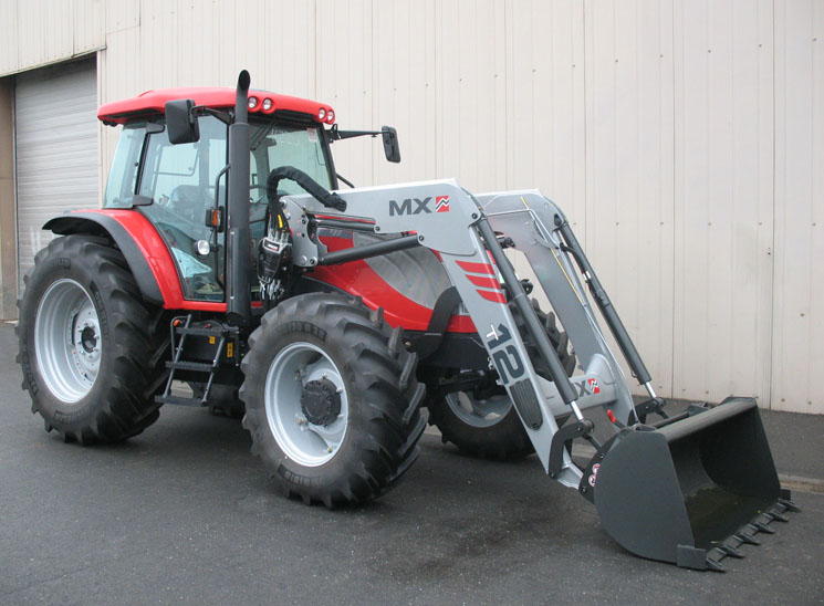 Schlepper McCormick G-Max 125 Tier 3/MX-Frontlader TECHNIC T12