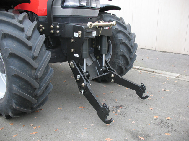 McCormick MC 120 Power 6 Tier 3 tractor / MX R38 front linkage