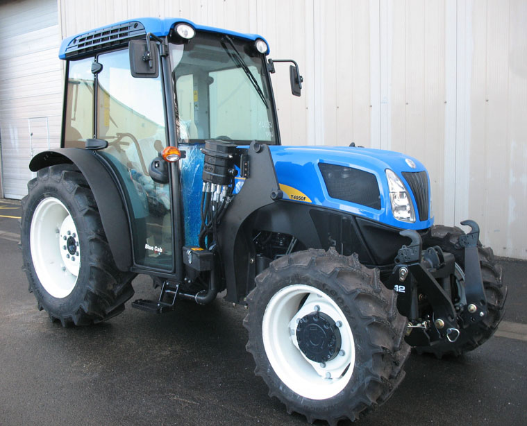 Tractor New Holland 4050 Supersteer con arco / Tripuntal delantero MX R12