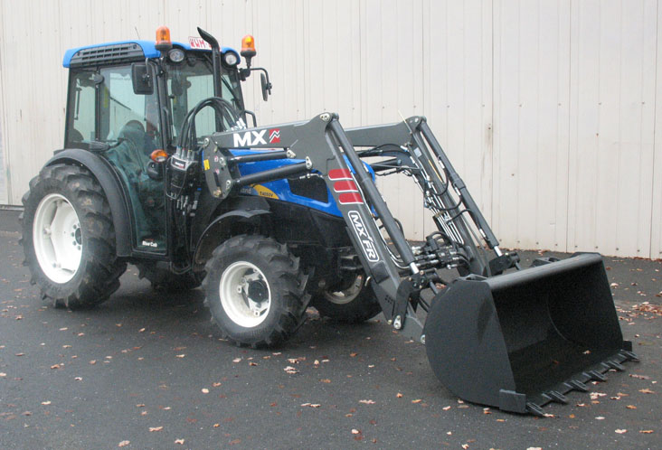 Tracteur New Holland 4050V / Chargeur MX Fruitier FR