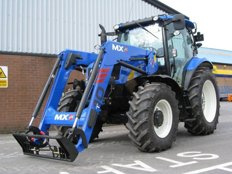 Tractor New Holland T6020 / Pala cargadora MX TECHNIC T10