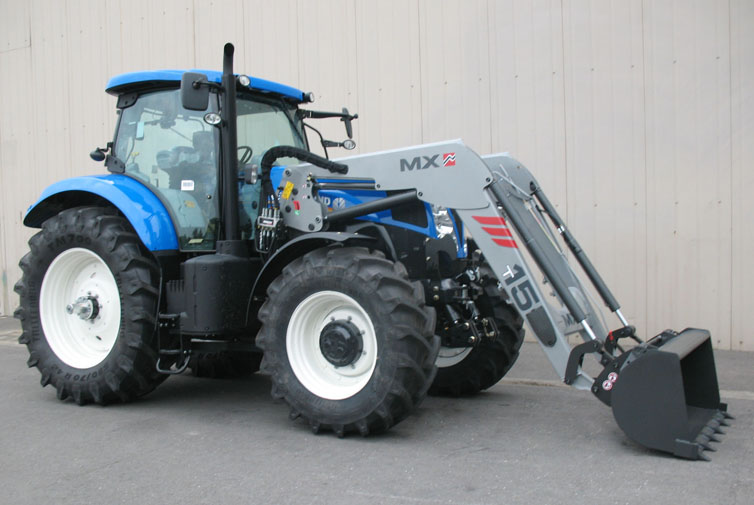 Tractor New Holland T7210 / Pala cargadora MX TECHNIC T15